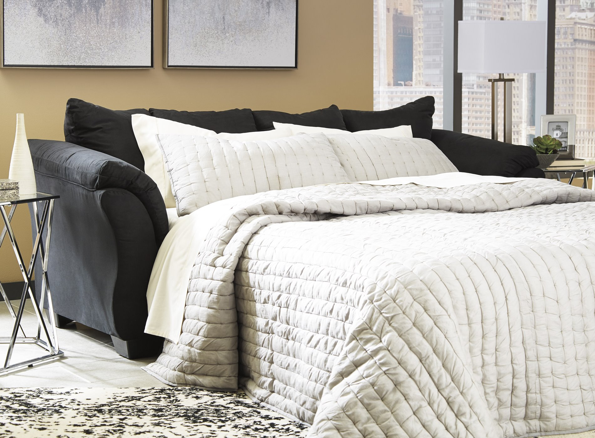 75008 Darcy Black Sleeper